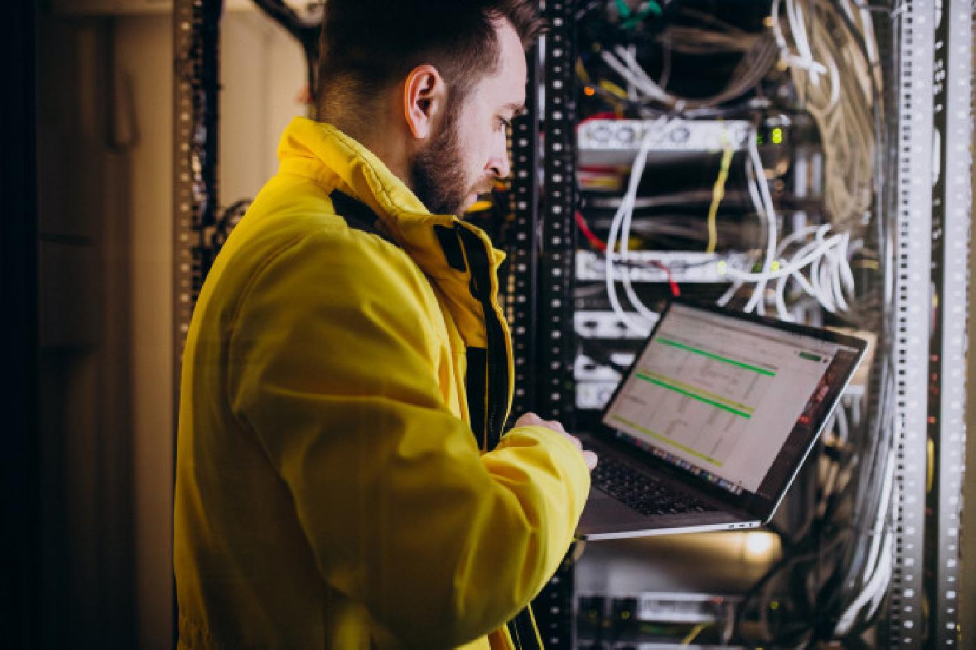 Servicetechniker für das Elektrohandwerk